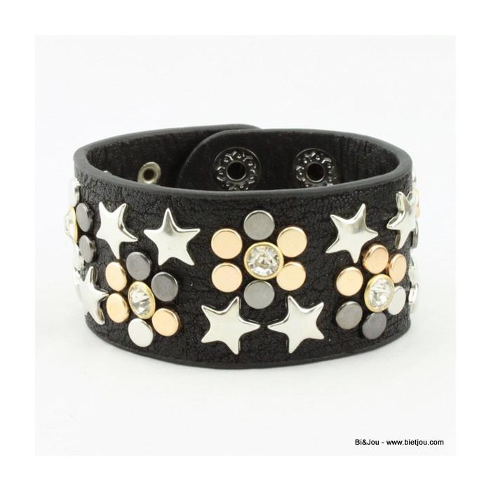 Large bracelet manchette en cuir synthétique et clous
