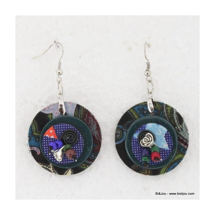 Boucles d'oreille Hippie Chic en feutrine, tissu, spirales d'aluminium et perles