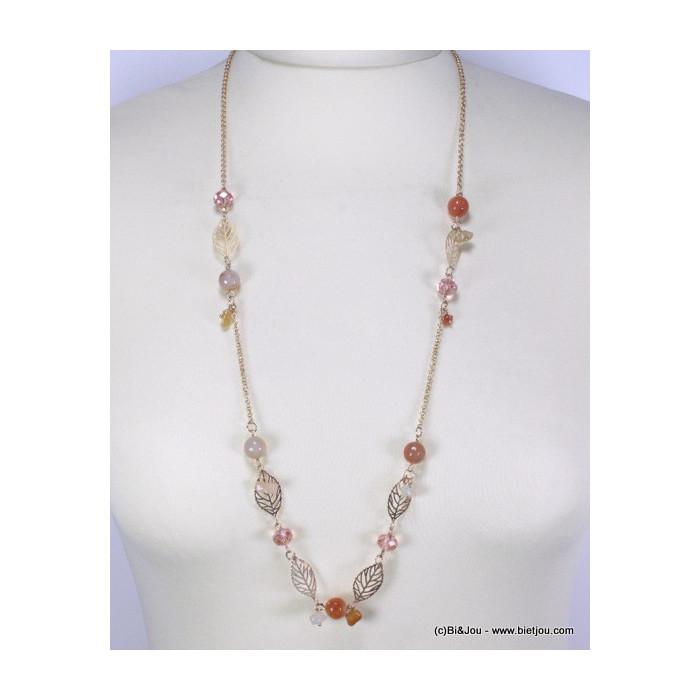 Sautoir avec perles colorées et plumes métalliques