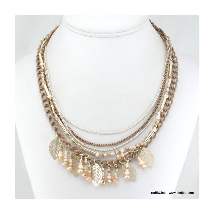 Collier multichaînes avec feuilles en métal, perles de rocaille et verre