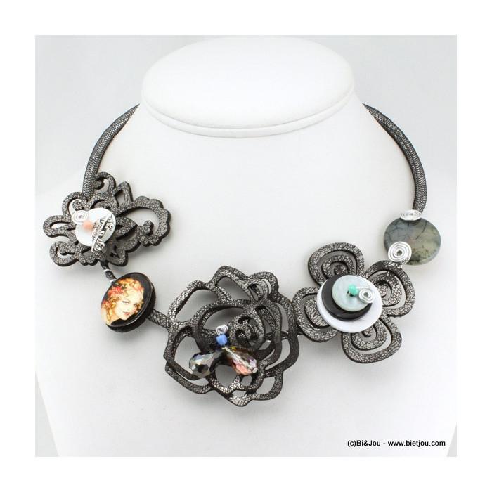 Collier plastron résille fleurs cuir synthétique et motifs cabochon verre