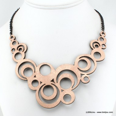 Collier plastron cercles en cuir synthétique