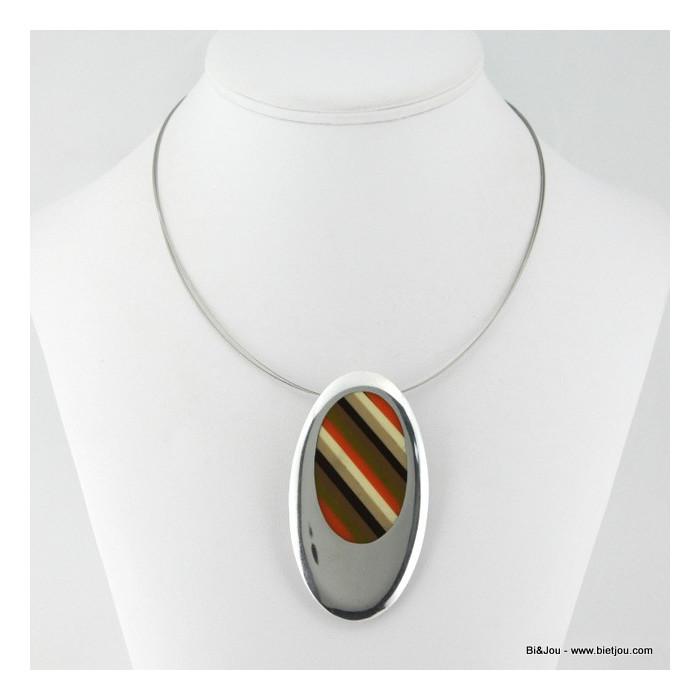 Collier pendentif ovale résine et métal