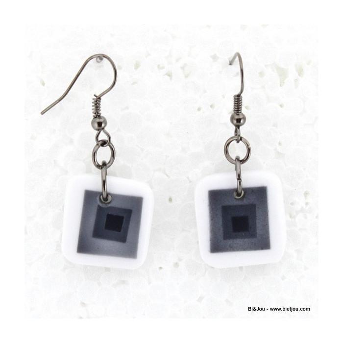 Boucles d'oreille graphique multiples carrés résine métal